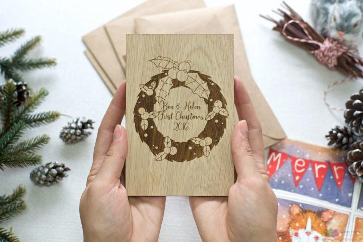 Wreath | Personalised Christmas wooden greeting card