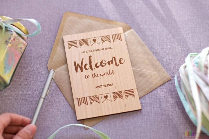 Welcome to the world! Personalised wooden card